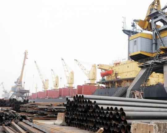 Trung Quốc tăng mua đột biến hơn 1.800% sắt thép Việt Nam